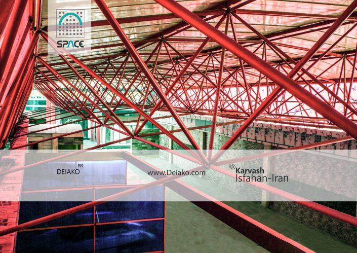سازه فضایی شیبدار با پلی کربنات شفاف کارواش فولاد شهر اصفهان